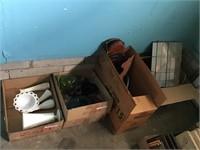 Box & Contents Lot - Glassware & Misc