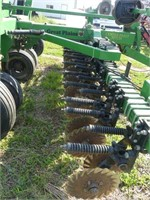 Great Plains 15ft 24R Solid Stand No-Till Drill