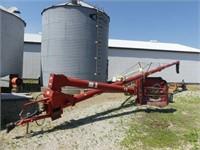 Buhler/Farm King 1050 PTO Auger w/Hyd. Lift