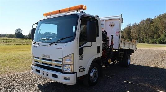 2013 Isuzu NPR 400 Premium - Trucks for Sale