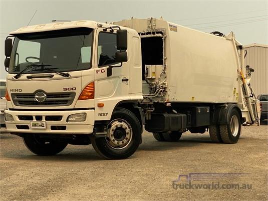 2010 Hino FG1527 - Trucks for Sale