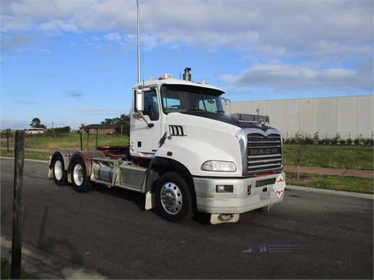 2011 Mack CMMT - Trucks for Sale