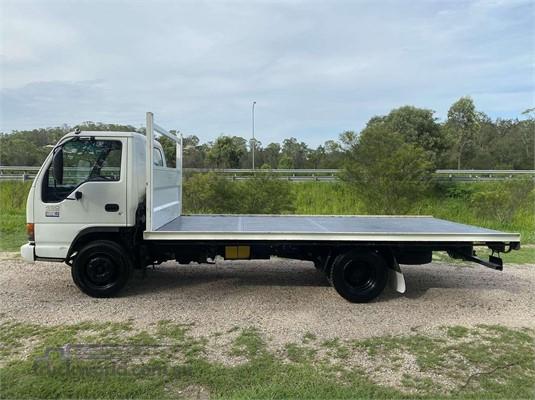 2002 Isuzu NQR - Trucks for Sale