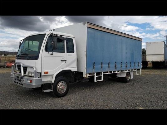 2008 UD MKB210 - Trucks for Sale