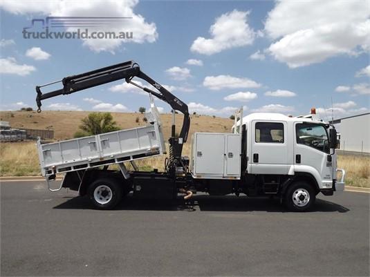 2013 Isuzu FRR - Trucks for Sale