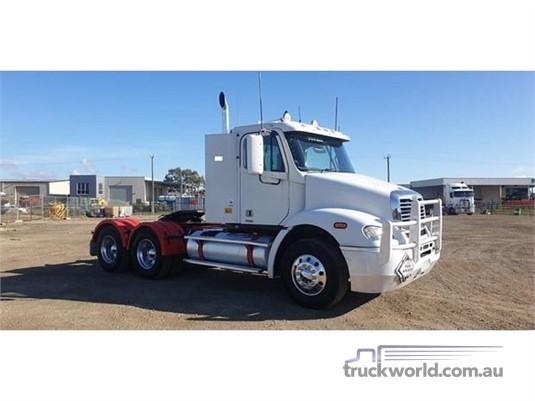 2007 Freightliner COLUMBIA 112 - Trucks for Sale