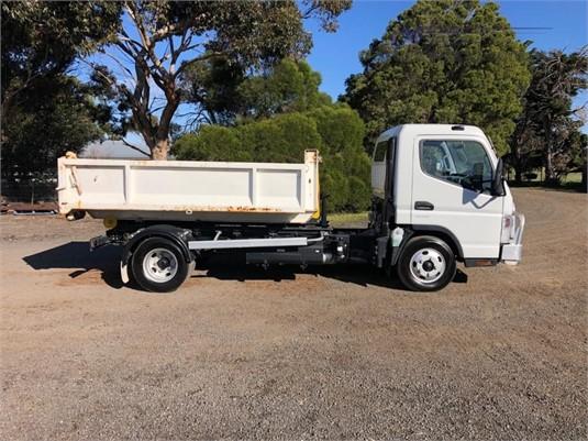 2015 Mitsubishi Fuso CANTER 615 - Trucks for Sale