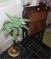4 Folding Chairs & 2 Plant Stands