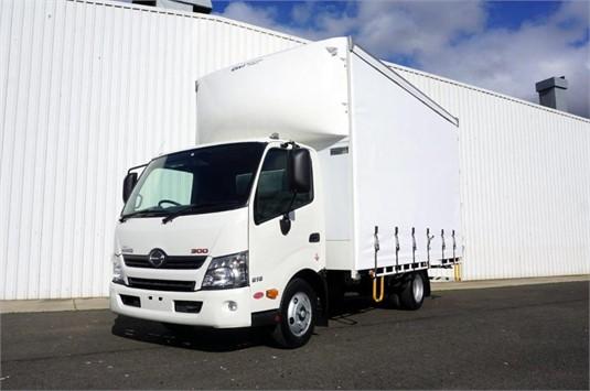 2015 Hino 616 - Trucks for Sale