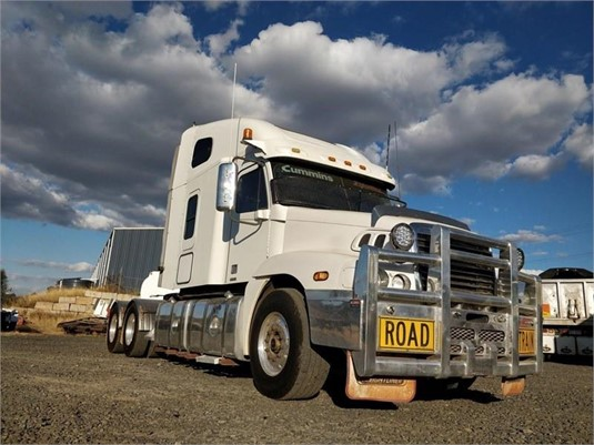 2006 Freightliner CENTURY 120 - Trucks for Sale