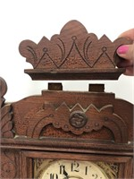 Beautiful antique New Haven clock Company mantle