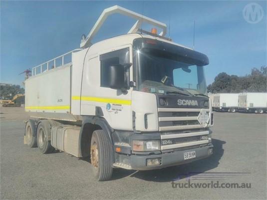 2001 Scania P124L420 - Trucks for Sale