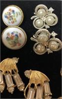 Lot of vintage clip on earrings