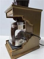 1976 Faberware 12 cup auto drip coffee maker
