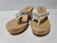 Sole Mates size 9 thong sandals with wedge heel