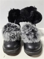 Size 9 Ugg winter boots
