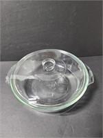 Round Anchor lidded glass casserole dish