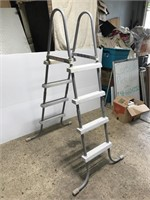 Above ground pool ladder, clears 4 ft sides