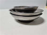 Magnetic bowls for hardware