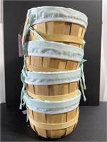 Lot of 4 new Spritz! Wooden Easter baskets
