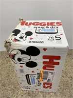Huggies snug & dry diapers size 5