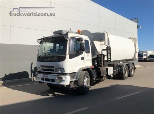 2004 Isuzu other - Trucks for Sale