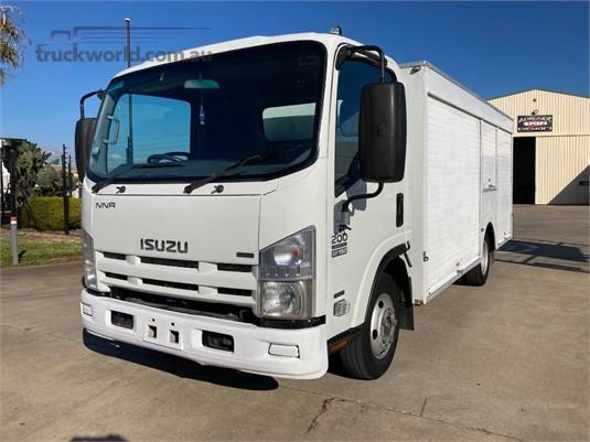 2010 Isuzu NNR 200 AMT - Trucks for Sale