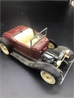 2 Vintage Hubley Diecast Cars