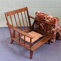 Vintage Grandma's Cabin Lounger, Nice Chair