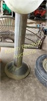32 in metal base bird bath with glass bowl