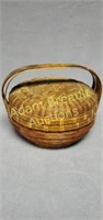 Vintage 7in wicker basket with lid