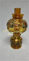 Vintage 9 in Amber stained glass oil lamp
