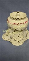 Vintage 9 in porcelain cheese Dome