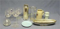 12 pieces of assorted glassware