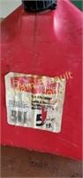Rubbermaid 5 gallon plastic gas can