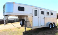 2010 Exiss Aluminum 3-Horse Slant Load, 2-axle, gn, collapsible tack room door in rear, front dressing room and tack area, excellent cond, used very little (view 1)