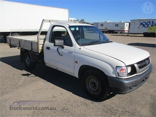 2004 Toyota HILUX - Trucks for Sale