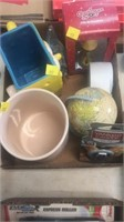 Hershey's, Sponge Bob, A Christmas Story, globe