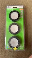 3-led puck lights