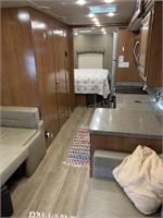 2018 32ft Fleetwood Jamboree Class C Motorhome