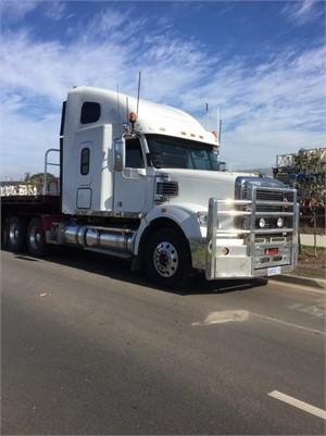 2011 Freightliner CORONADO 122 - Trucks for Sale