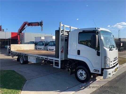 2014 Isuzu FRR 600 - Trucks for Sale