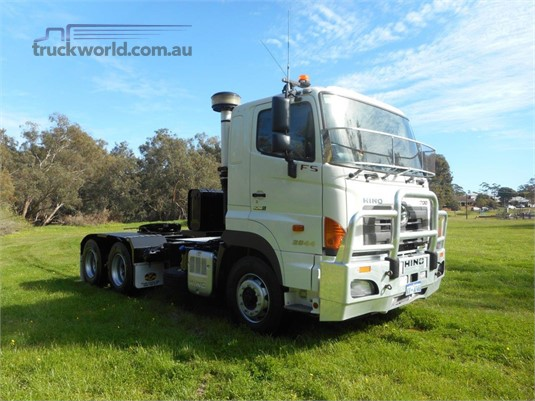 2014 Hino 700 Series 2844 FS - Trucks for Sale