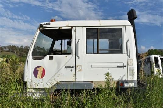 1995 Mitsubishi Fuso FM - Trucks for Sale