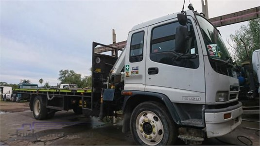2002 Isuzu FSR - Trucks for Sale