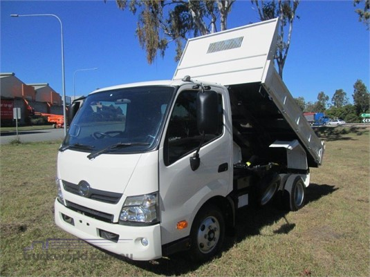 2017 Hino 300 Series 617 - Trucks for Sale