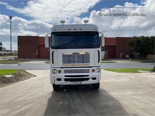 2004 Freightliner Argosy 90 - Trucks for Sale