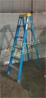 Werner non-conductive fiberglass 6ft step ladder