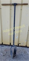 47 in Wood handle steel post hole auger