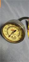 Box Lot - Air chisel set, Penske compression